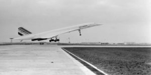 le-21-janvier-1976-le-concorde-decolle-de-paris-pour-son-premier-vol-commercial-vers-rio-de-janeiro-au-bresil