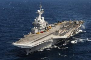 Passex entre le Charles de Gaulle et le porte avions avions américain USS Truman